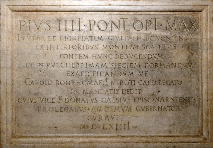 Targa celebrativa della Fontana del Nettuno (posizionata nei sotterranei della Piazza del Nettuno, sotto alla statua)