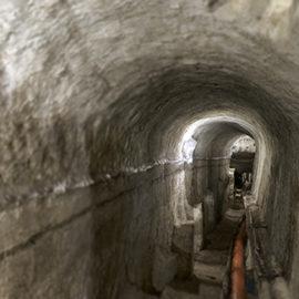 Viste del cunicolo sotterraneo di collegamento della fontana con Palazzo D'Accursio.